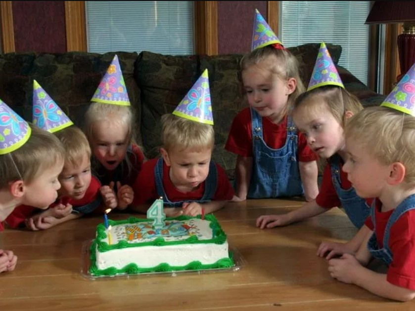 4 Candles For 7 Kids