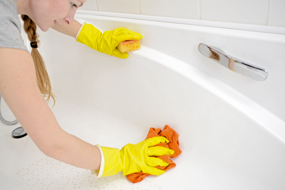 Clean Fiberglass Bathtubs