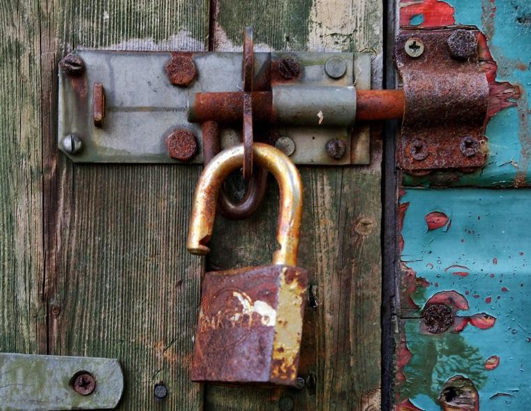 Open Rusted Locks