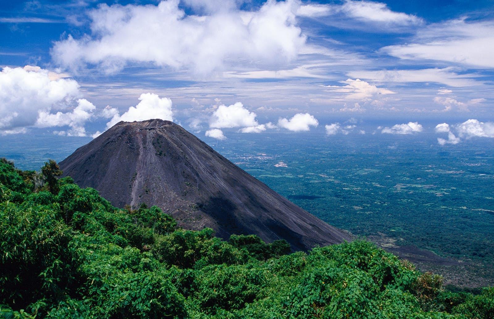 Volcanoes In El Salvador