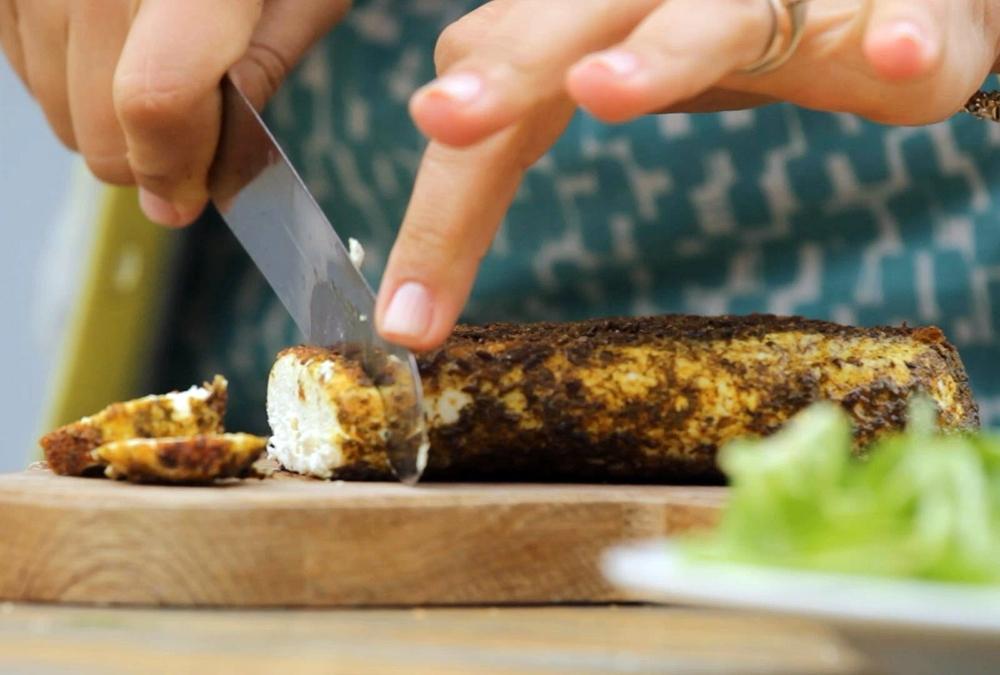 Su Prieskoniais Keptas Baltasis Sūris – Baked Lithuanian Cheese